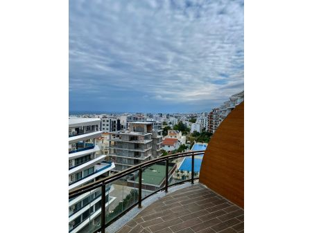 3+1 penthouse apartment for sale in Kyrenia Center