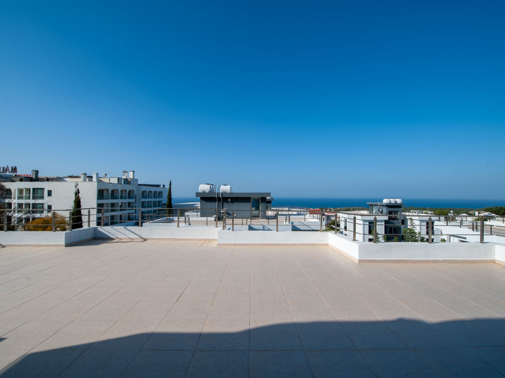 2+1 penthouse for sale in  Kyrenia Catalkoy