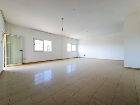Commercial Building For Rent In Nicosia, Kucuk Kaymakli / COMMERCIAL PERMIT APARTMENT