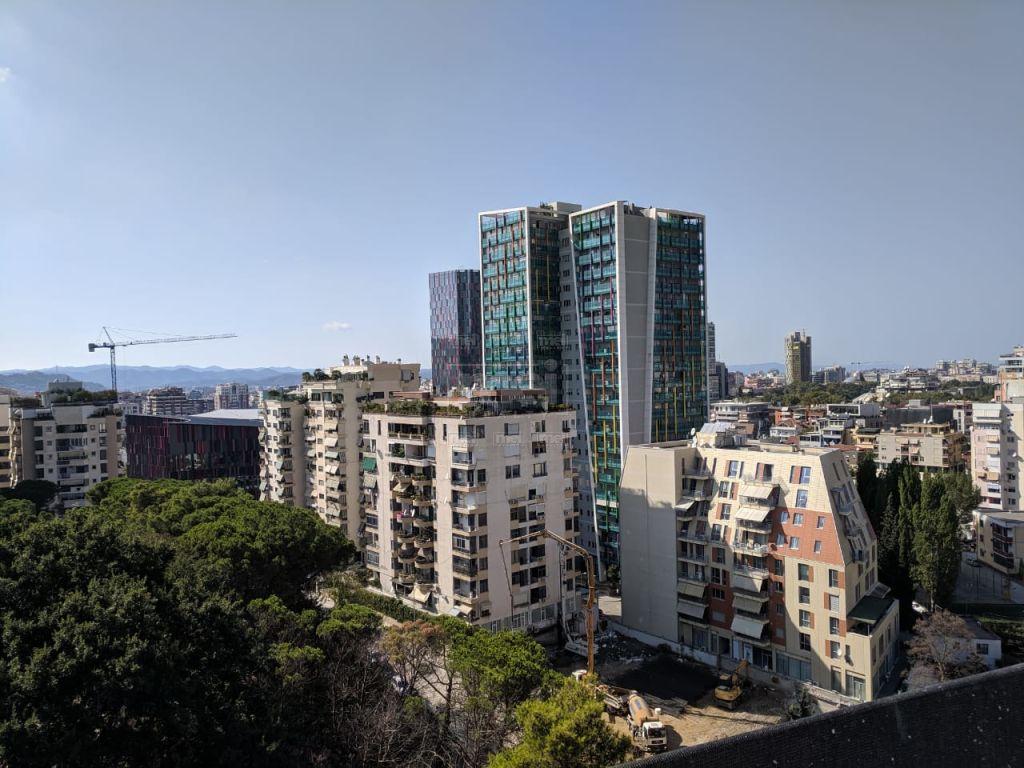 Super apartament per qira