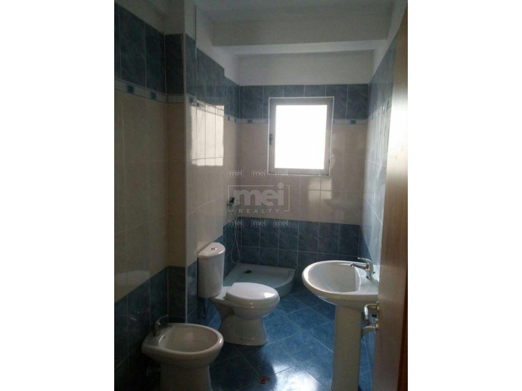 Shitet Apartament 2+1 ne Vlore.