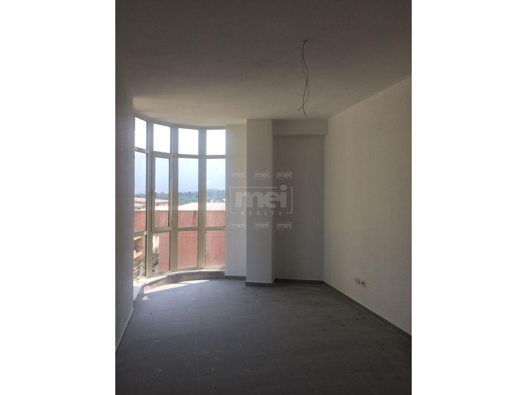 Tek Liqeni i Tiranes, Shitet Apartament 2+1.