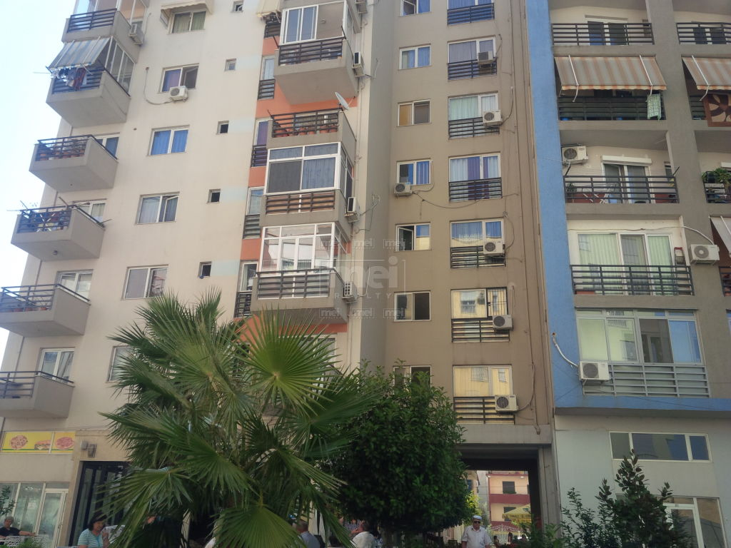 Super OKAZION...... Apartament 2+1 per shitje afer Globe.