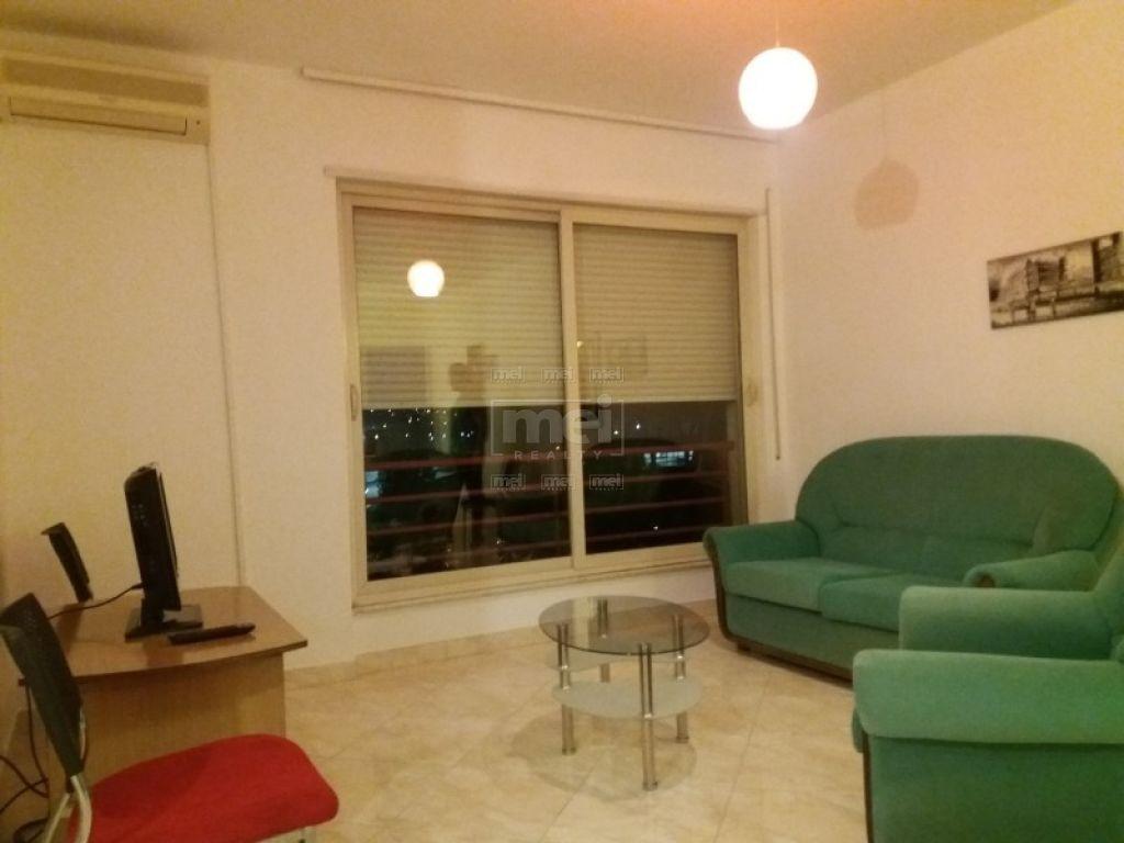 Tek Kompleksi Dinamo Jepet Me Qira Apartament 2+1+2