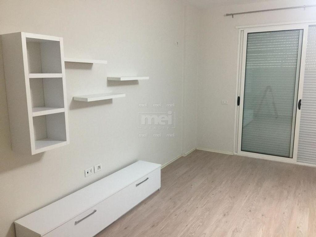 Fresk, Jepet me Qira Apartament 1+1