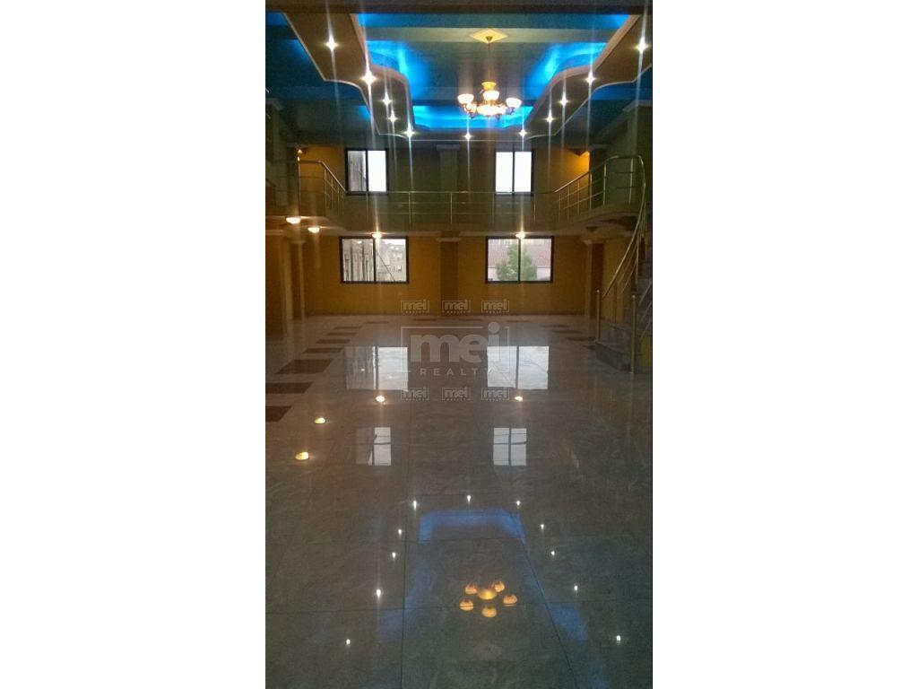 Ne Kinostudio Jepet Me Qira Vile + Hotel Me Siperfaqe 2000M2.