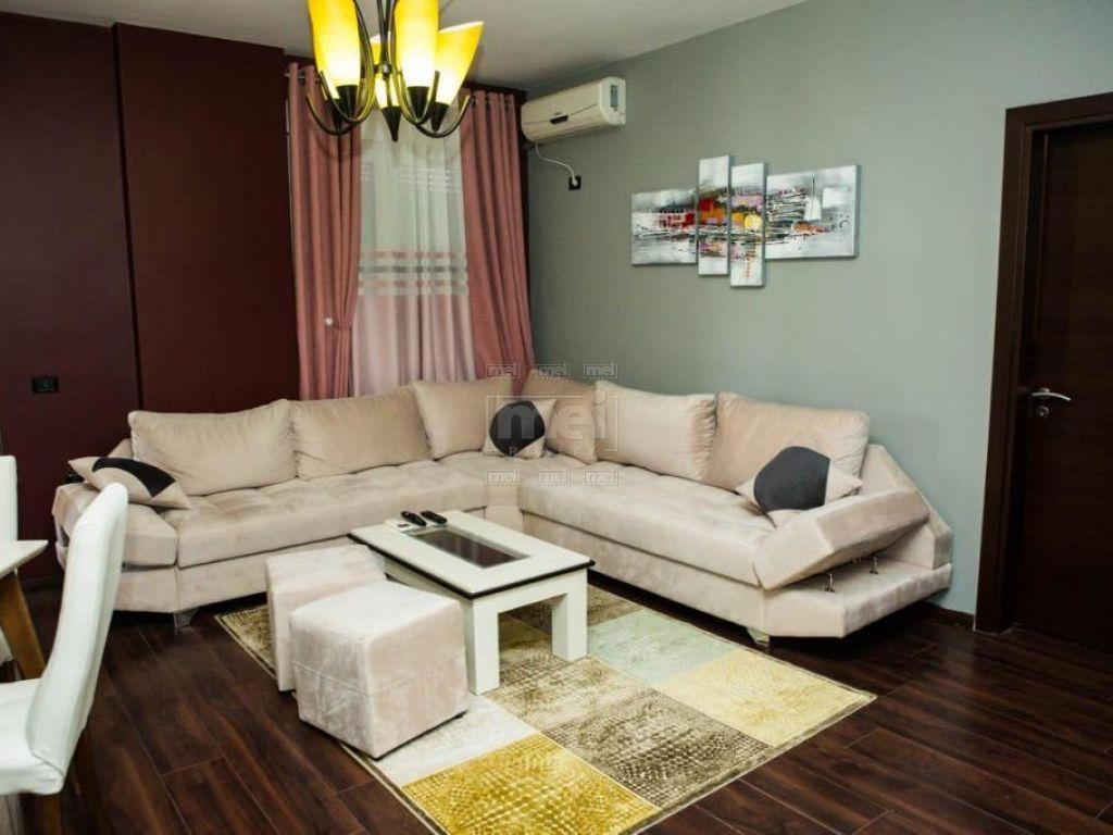 Sheshi Wilson, Jepet me Qira Apartament 2+1