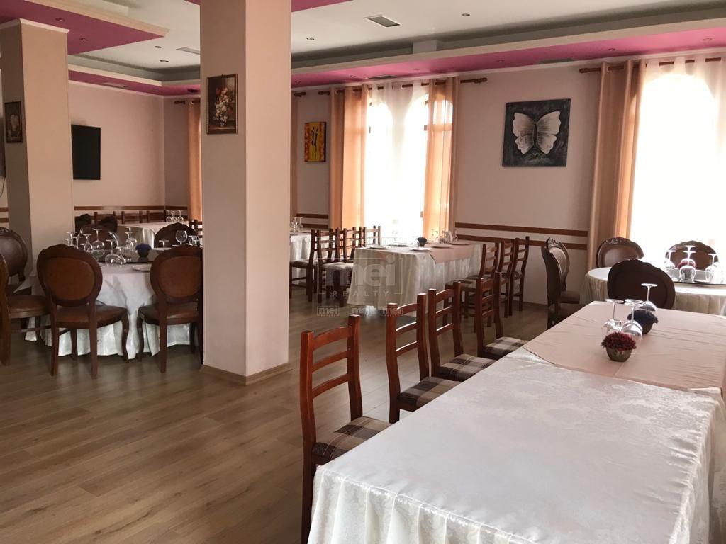 Rruga 4 Deshmoret, Jepet Restorant me Qira