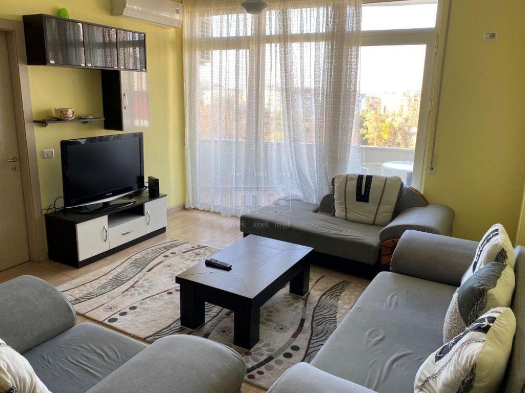 Tek Kopshti Botanik Jepet Me Qira Apartament 3+1 5