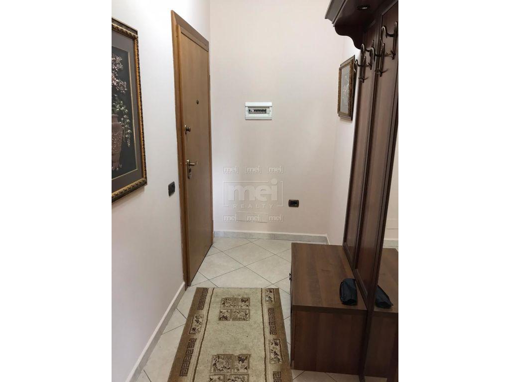 Bllok, Rr. Brigada e VIII, Jepet me Qira Apartament 2+1