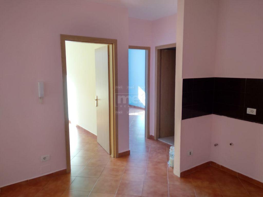 Jepet Me Qira Apartament 2+1 Bosh, Ne Rrugen E Elbasanit . 1