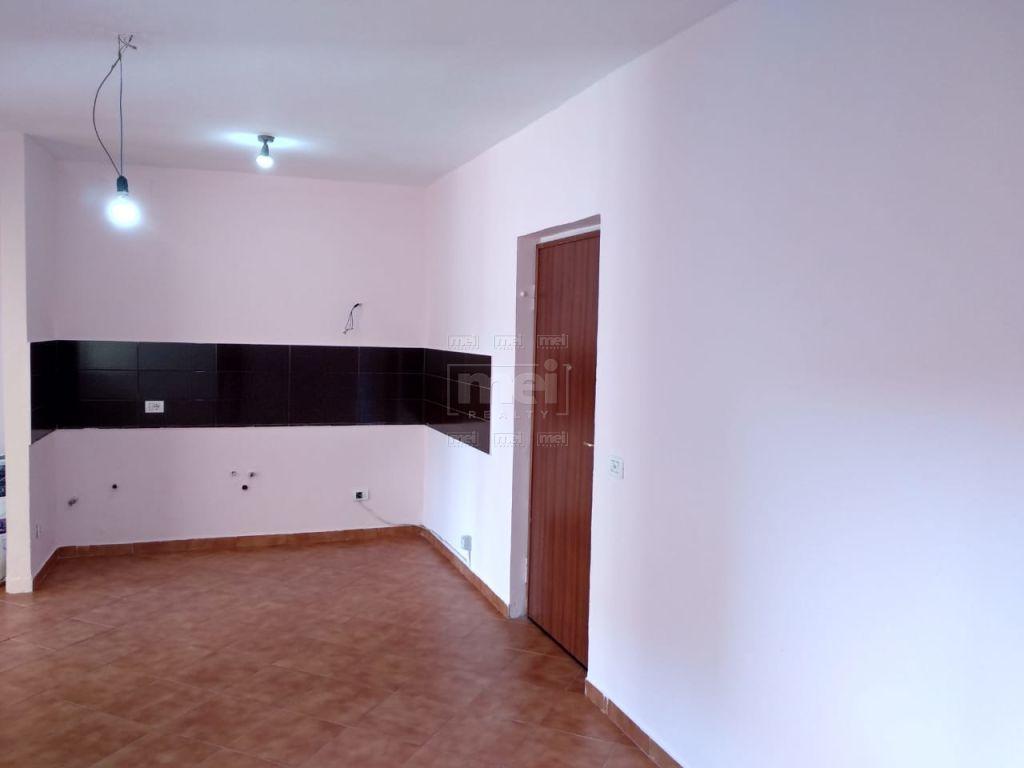 Jepet Me Qira Apartament 2+1 Bosh, Ne Rrugen E Elbasanit . 0