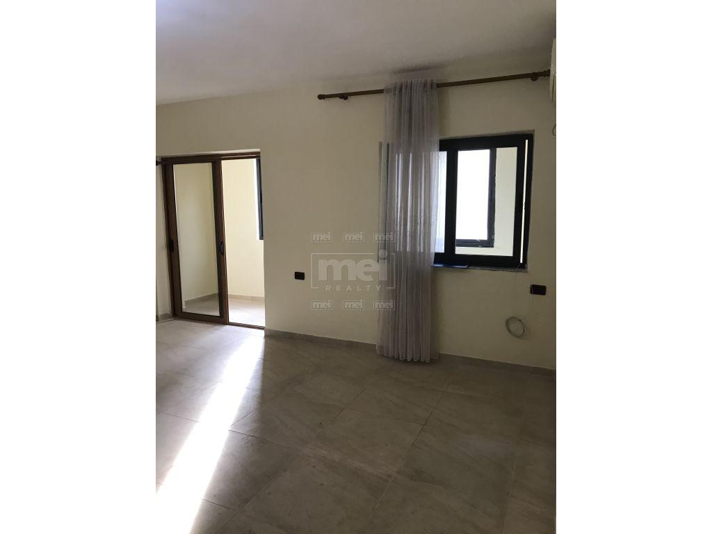 Ne qender te Tiranes, Shitet Apartament 1+1