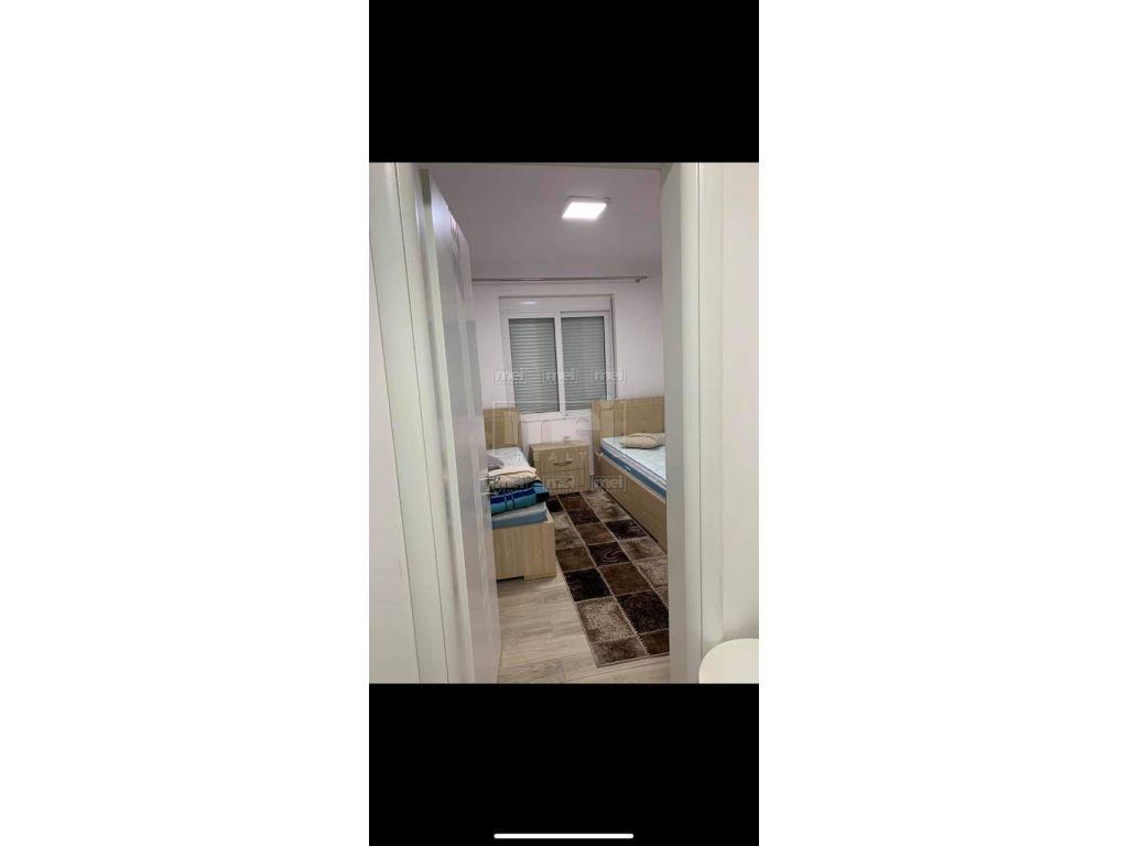 Afer Kryqezimit 21 Dhjetori Jepet Apartament 2+1 Me Qira.