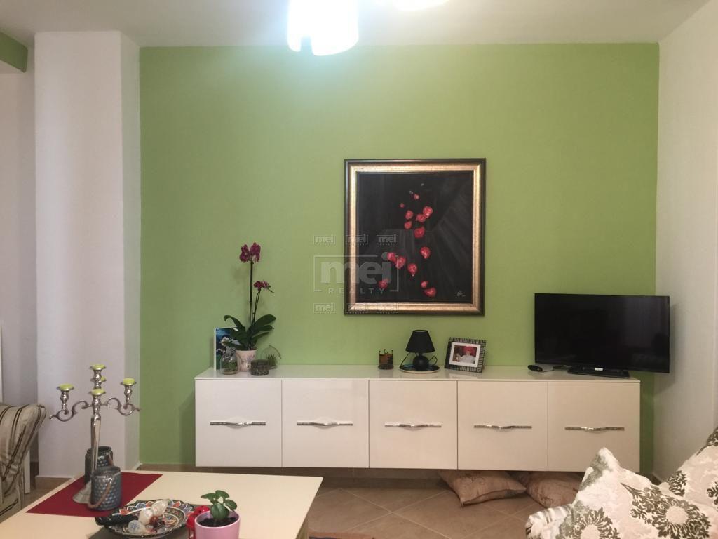 Kodra e Diellit, Shitet Apartament 1+1