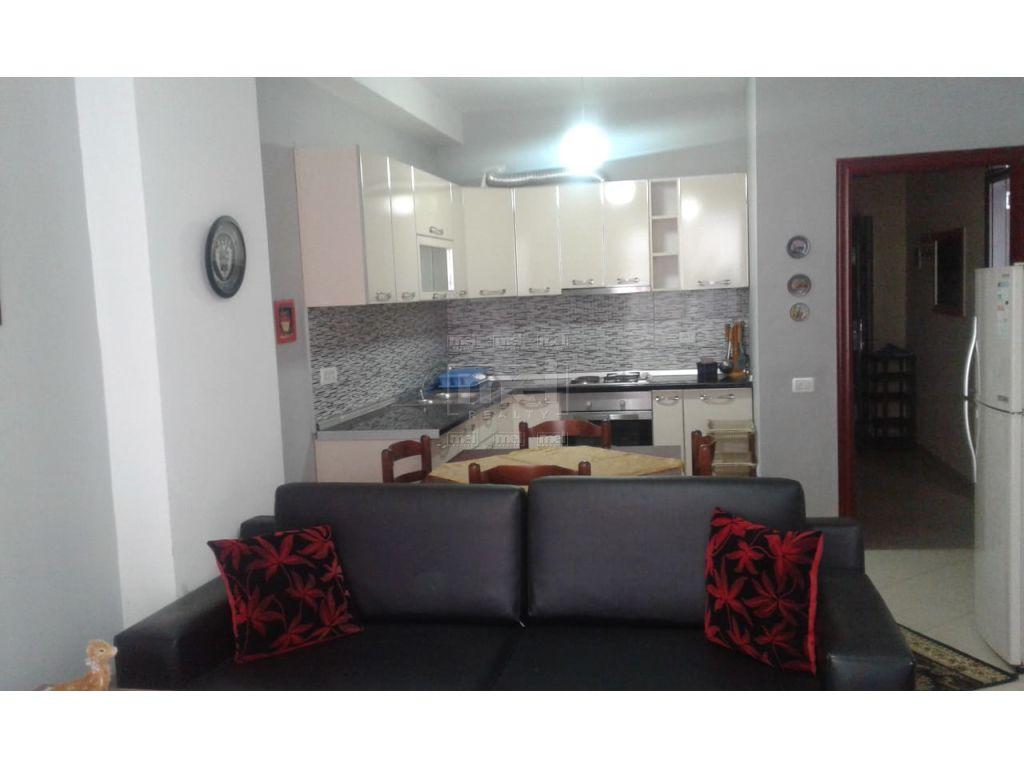 Ne Astir Jepet Me Qira Apartament 1+1.