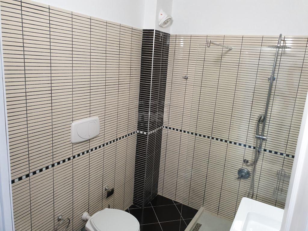 Te Kopshti Zoologjik Shitet Super Apartament i Mobiluar 2+1+2 tualete 7