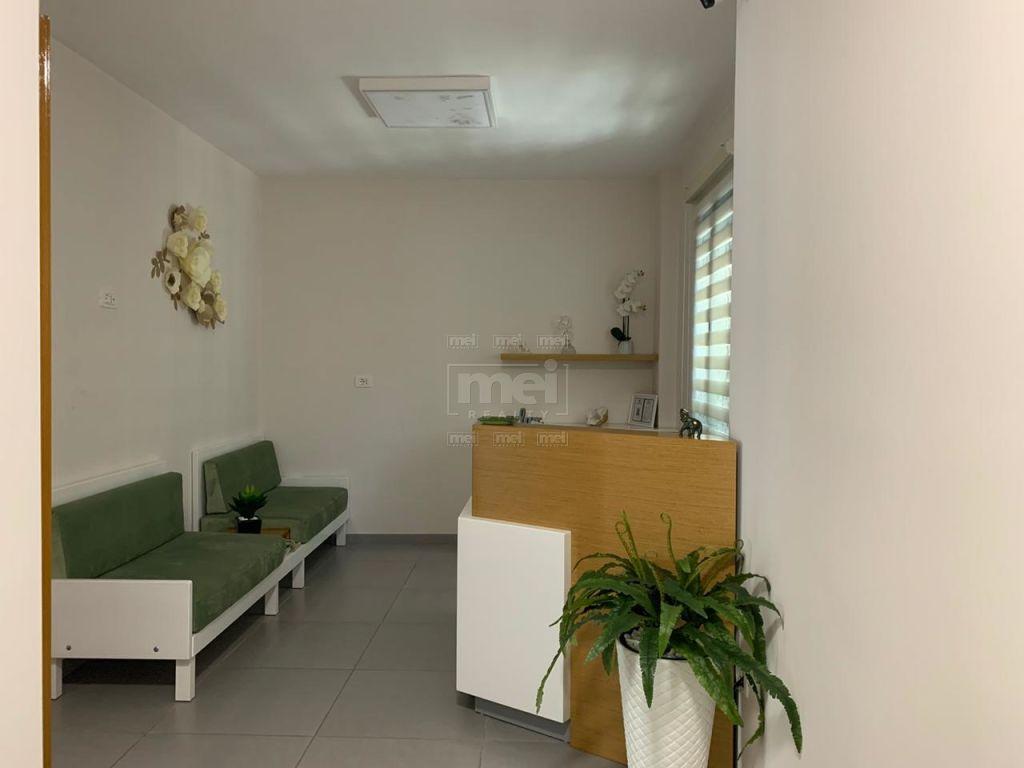 Myslym Shyr, Jepet me Qira Ambjent Biznesi, i pershtatshem per Klinike Dentare