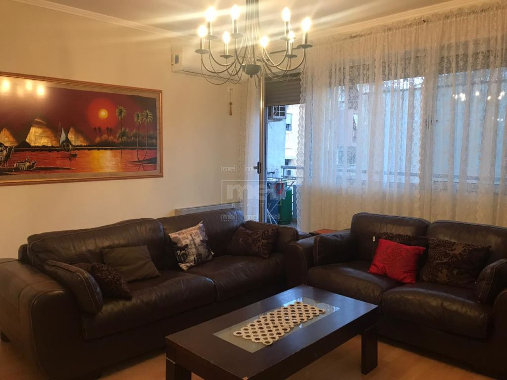 Bllok, Prane LSI, Jepet me Qira Apartament  2+1