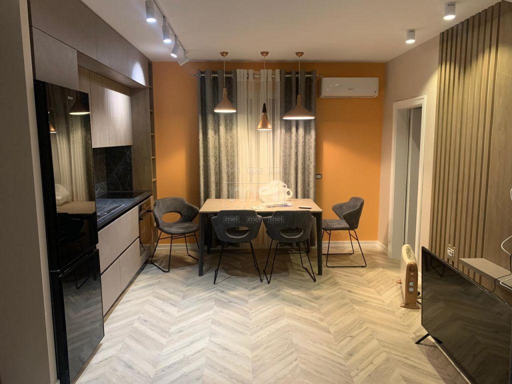 Bllok, Rr. Vaso Pasha, Jepet me Qira Apartament 2+1