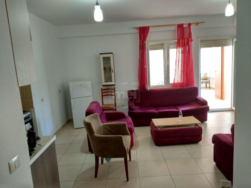 Ne Don Bosko Jepet Me Qira Apartament 2+1