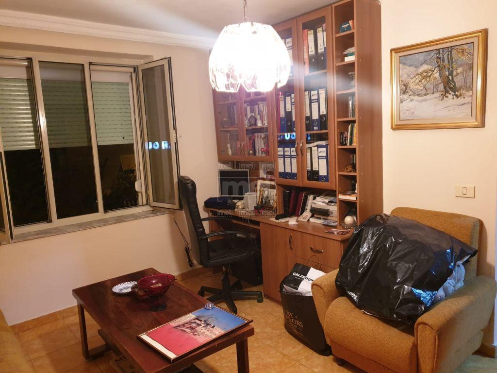 Jepet apartament 3+1 me qira