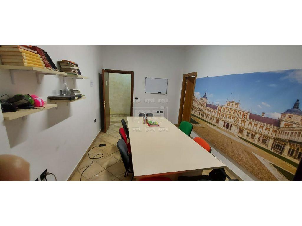 Kompleksi Panorama, Jepet Me Qira Apartamenti Per Zyra