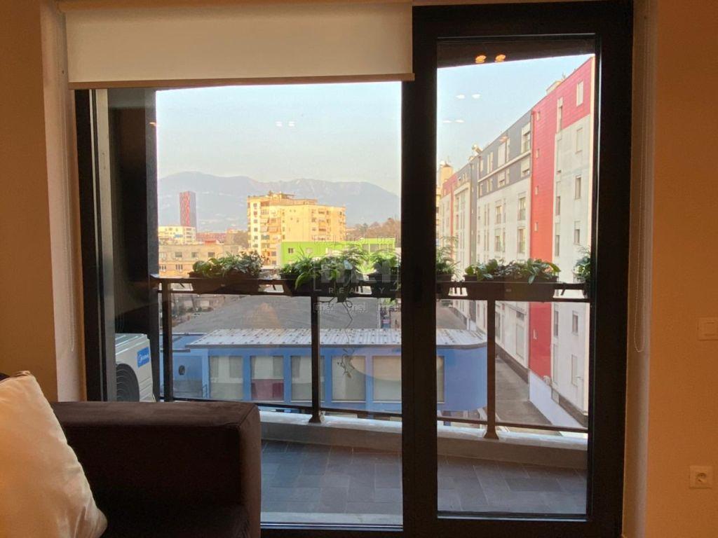 Jepet me Qira Apartamenti 1+1+Garazh, tek Rruga e Kosovareve 10