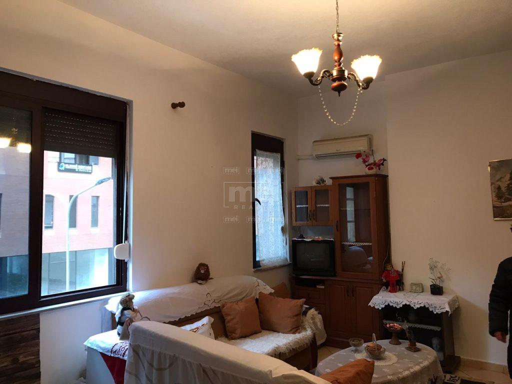 Kompleksi Panorama, Shitet Apartament 2+1+2