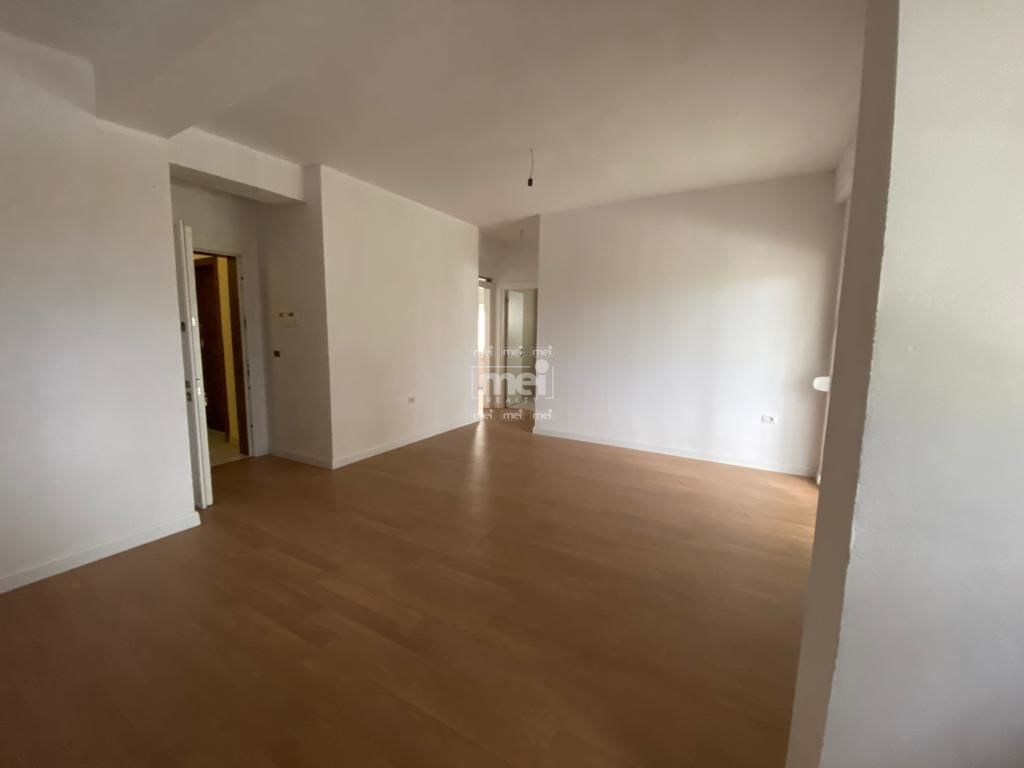 SHITET APARTAMENT 2+1NE QERRET