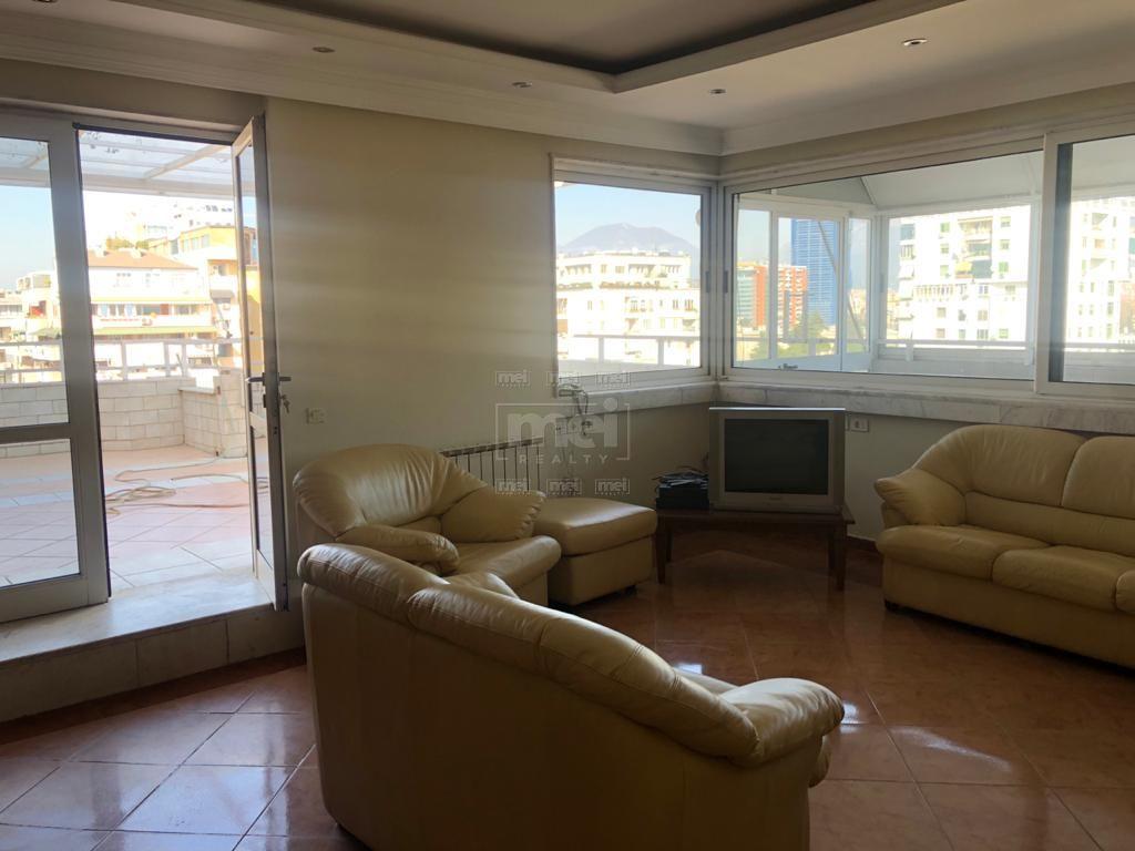 Jepet me Qira Apartament 2+1 Tek Rruga Abdyl Frasheri