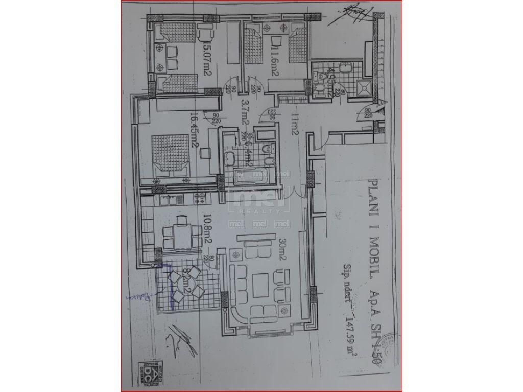 Jepet Me Qira Apartament 3+1 Ne Qender per ambient per zyra