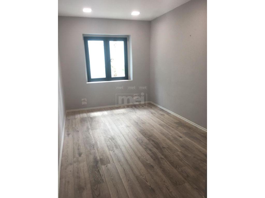 Jepet Me Qira Apartament 3+1, Prane Qendres Tregtare Toptani.