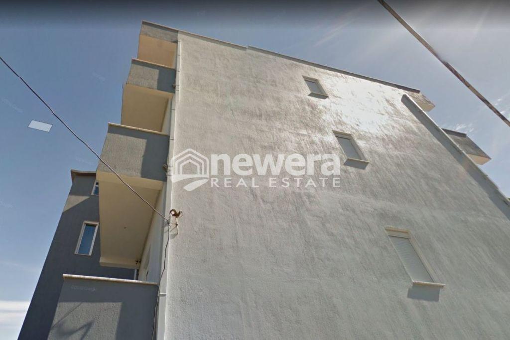 Shitet Super Vilë 5 Katëshe në Durrës