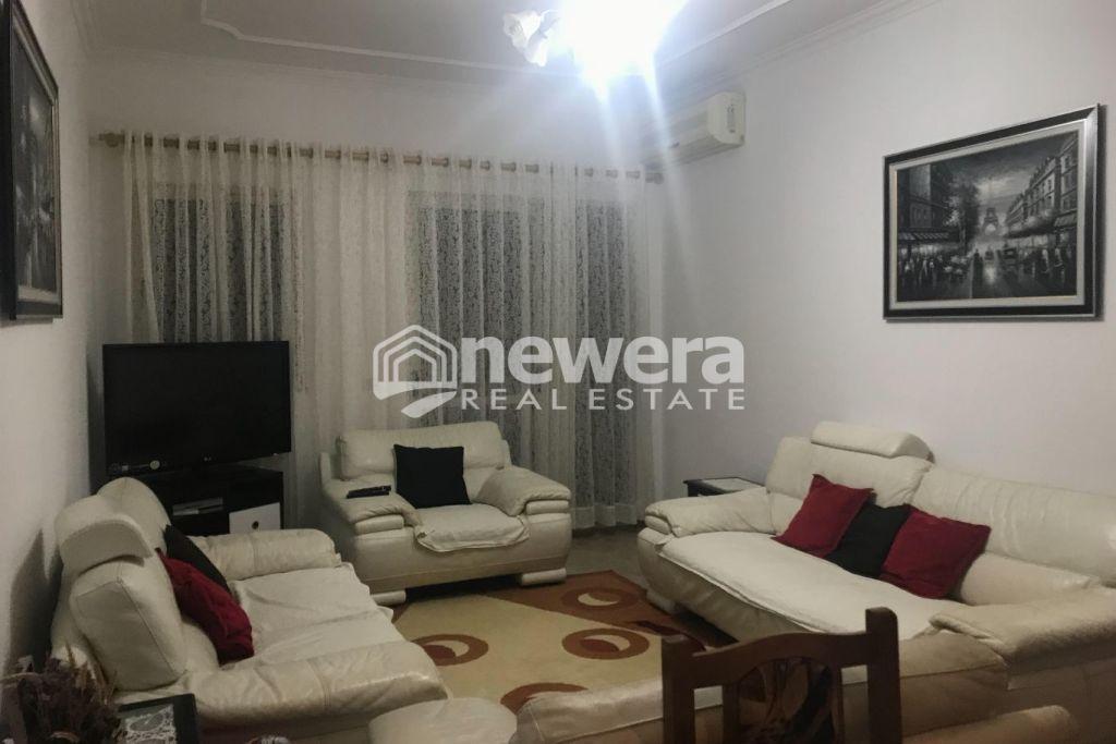 """Shitet apartament 3+1 me Hipotekë tek Rruga """"5 Maji"""""""