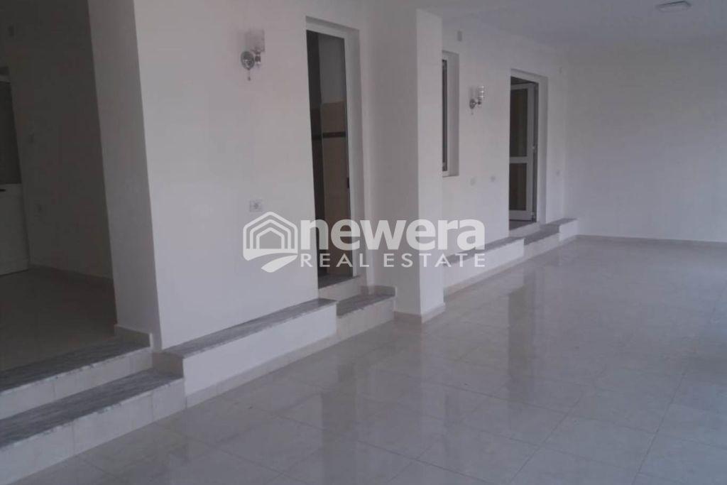 """Jepet me Qera Ambient me Sip.120 m2 tek Rruga """"Naim Frashëri"""""""