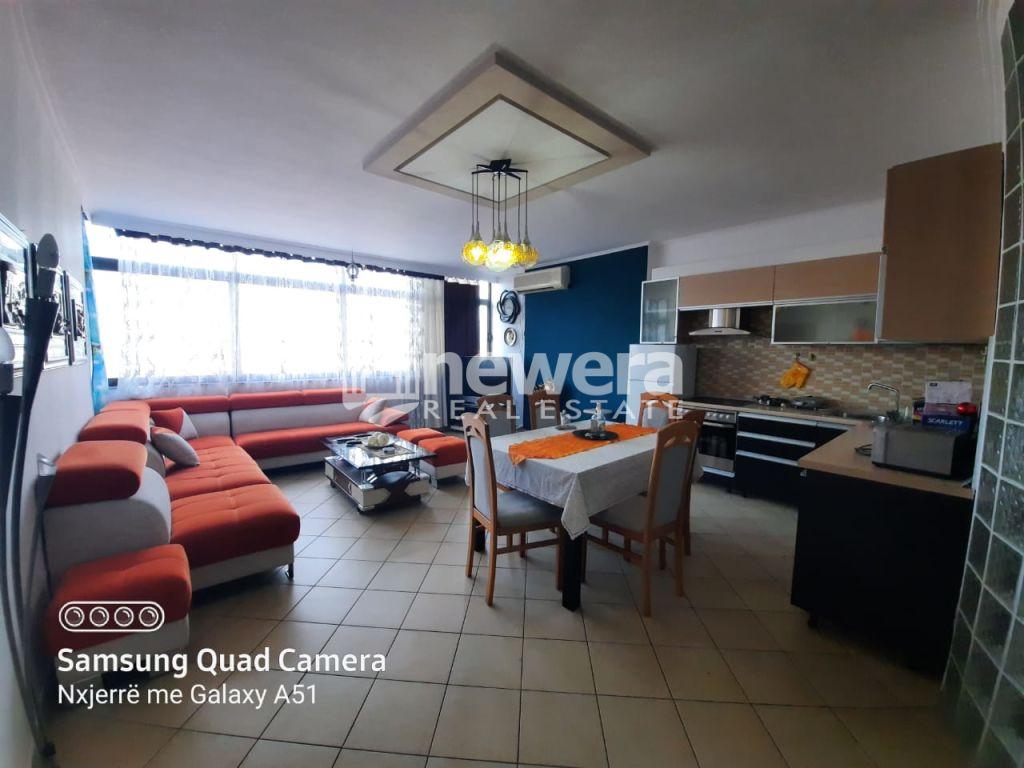 Apartament  3+1 me Qira tek Rruga e Kavajes prane Globit