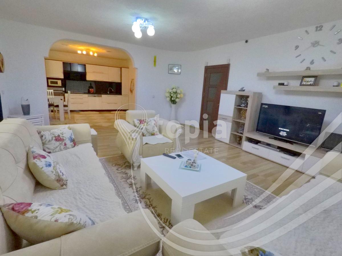 Shtëpi 420m2 me qira në Taukbashqe