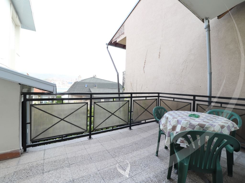 Shtëpi 280m2 me qira në lagjen Arbëria6