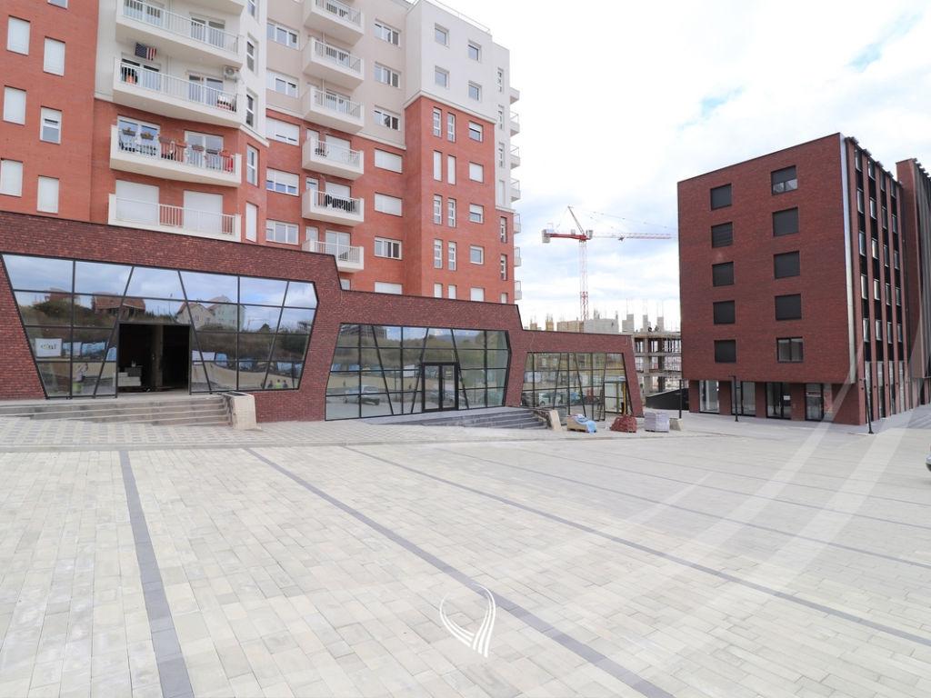 Lokal 196m2 me qira në Veternik