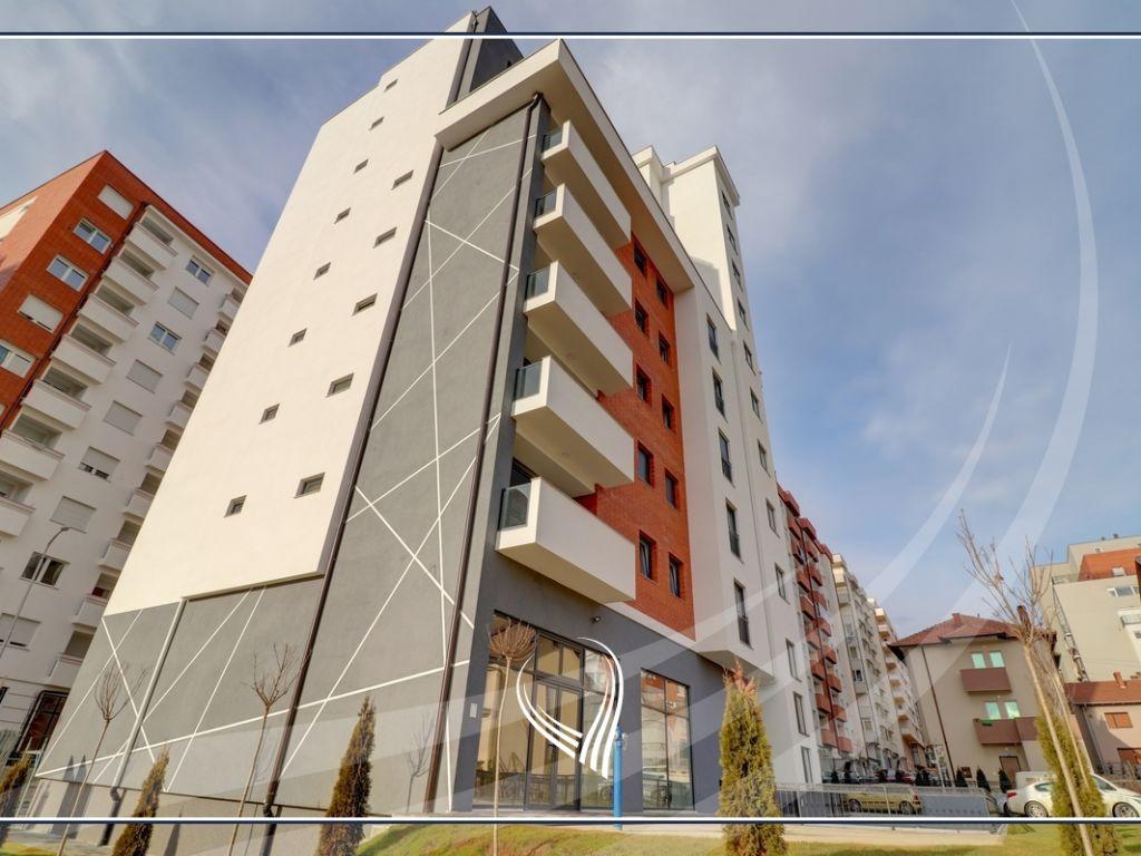 Penthouse me 3 dhoma gjumi në shitje në lagjen Mati 1