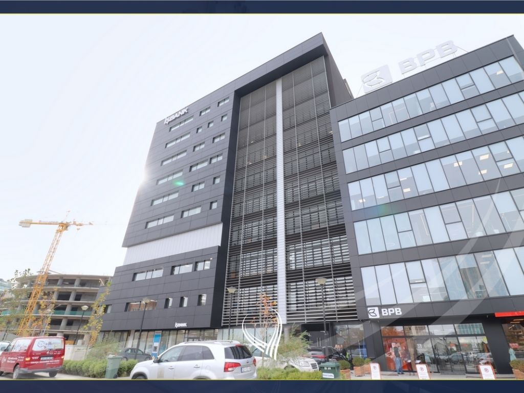 Business space for office 536m2 for rent in Pejton neighborhood - Ramiz Sadiku complex