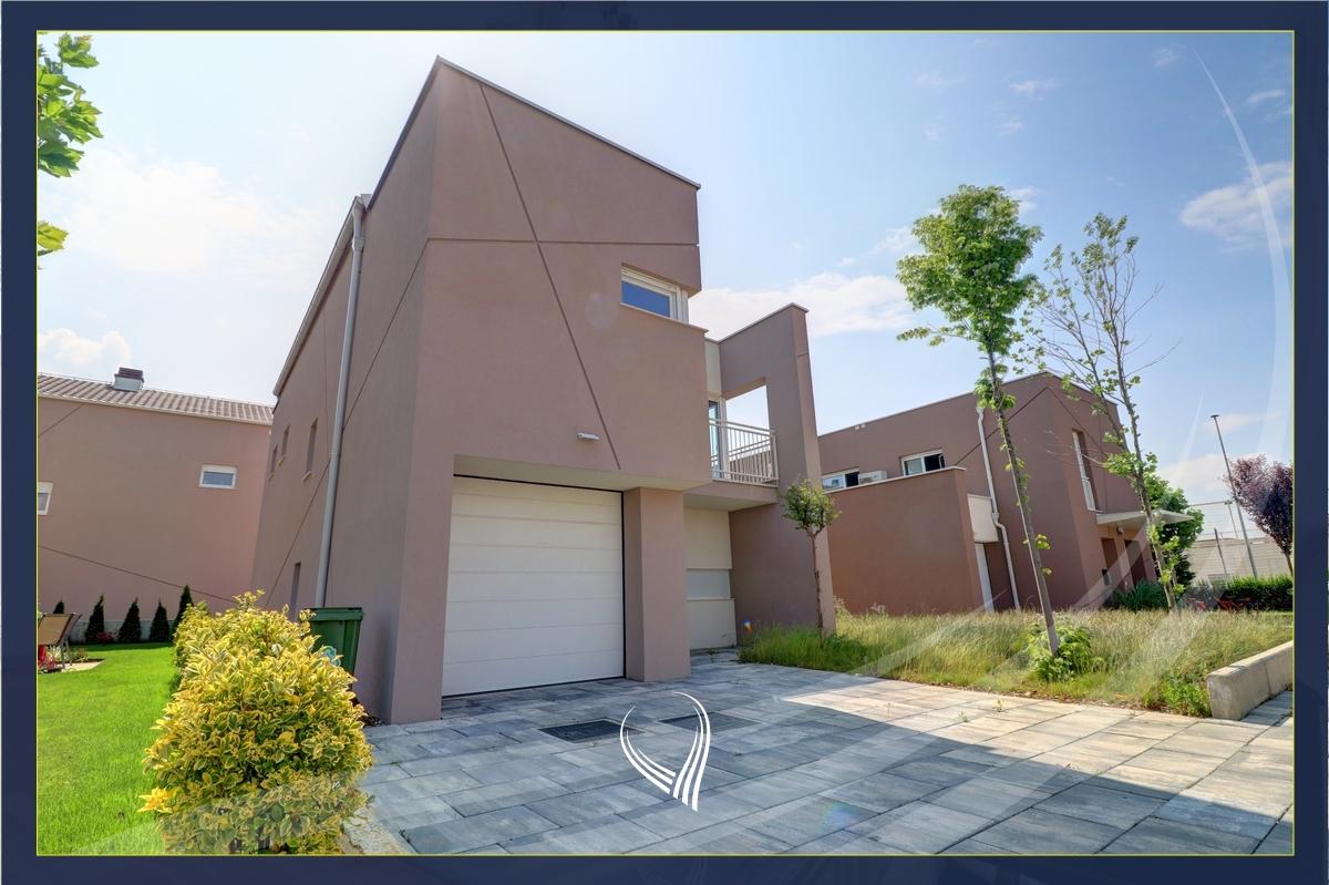 Shtëpi me 5 dhoma gjumi me qira në lagjen Qershia- Tipi A