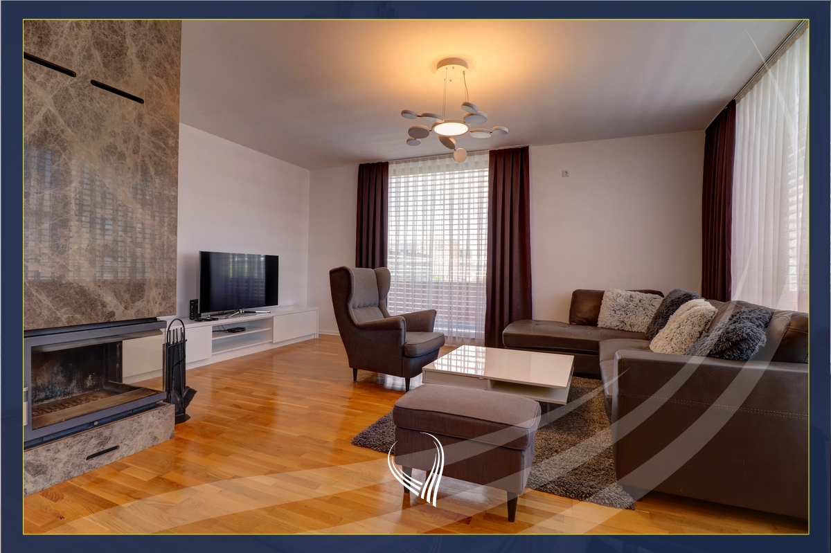 Penthouse me qira me 3 dhoma gjumi Arbëri – Dragodan