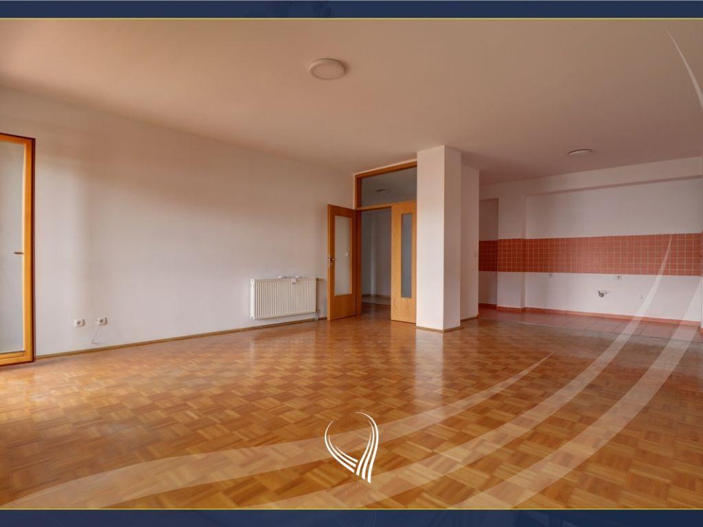 Office with 3 workspaces in the neighborhood Arbëria - Dragodan