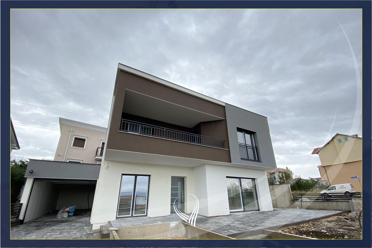 Shtëpi 240m2 në shitje në Çagllavicë– mbrapa Fortesa Home