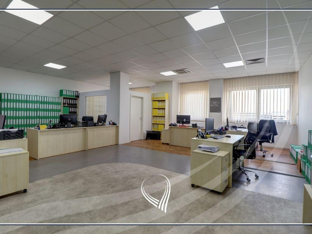 Hapësirë afariste për zyre 700m2 me qira Te Lesna – Fushë Kosovë1
