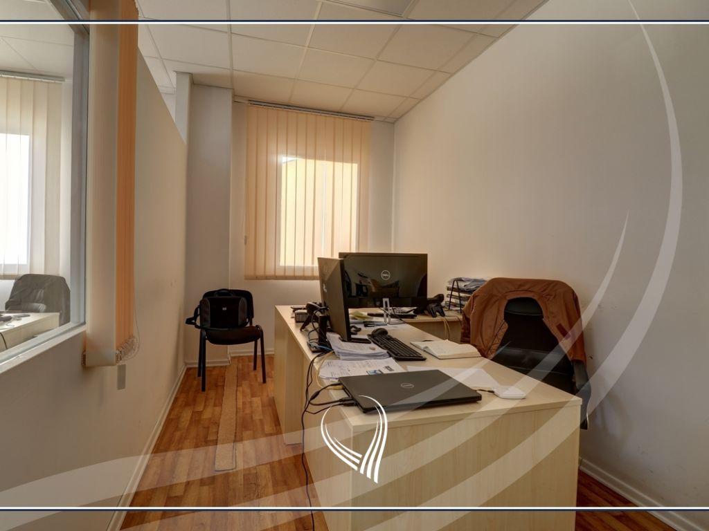 Hapësirë afariste për zyre 700m2 me qira Te Lesna – Fushë Kosovë9