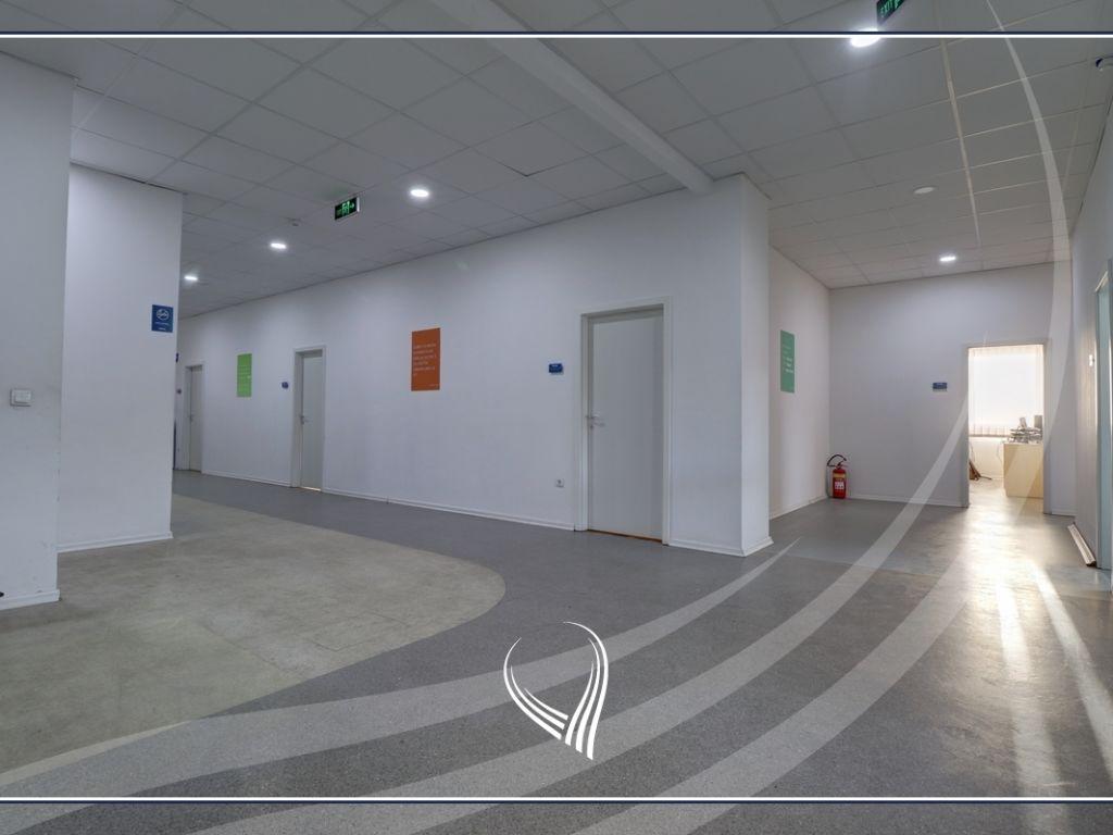 Hapësirë afariste për zyre 700m2 me qira Te Lesna – Fushë Kosovë17