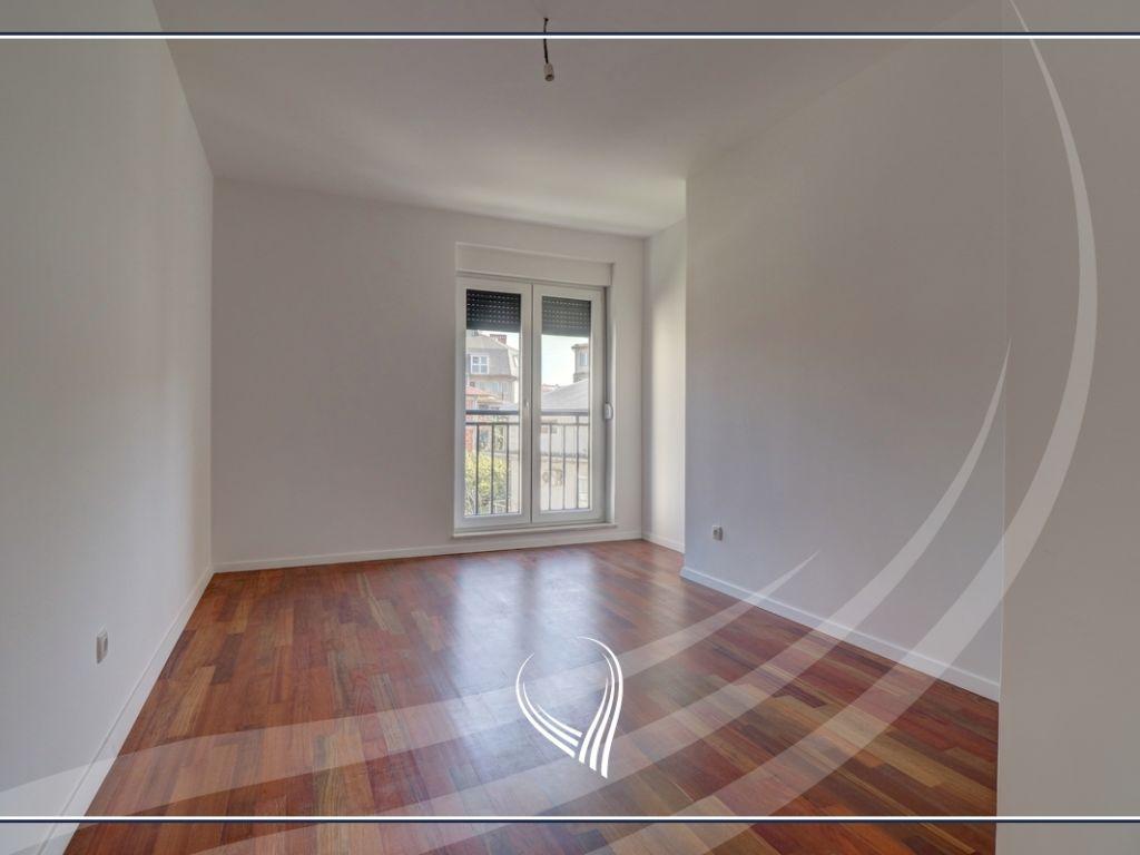 Zyre me 3 dhoma pune me qira te Qafa3
